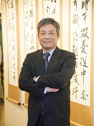 Dr. Lin. Chih-Cheng